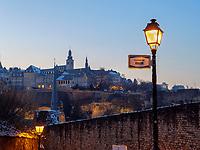 Blick vom Rham-Plateau auf Altstadt, Luxemburg-City, Luxemburg, Europa, UNESCO-Weltkulturerbe<br /> View from Rham-Plateau Grund on the old city, Luxembourg, Luxembourg City, Europe, UNESCO world heritage