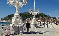 Promenade und Rathaus von San Sebastissn (Donostia), Baskenland (Euskadi), Spanien