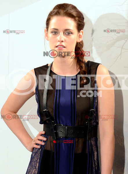 Kristen Stewart asiste al photocall de la pelicula 'Blancanieves y la Leyenda del Cazador' en la Casa America de Madrid.             ----------------------------Kristen Stewart attends the photocall of the movie 'Snow White and the Huntsman' at the Casa America in Madrid *NortePhoto*<br />