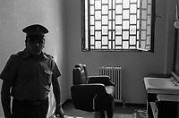 - carcere di Bergamo, la barberia (1983)<br /> <br /> - Bergamo jail, the barber (1983)
