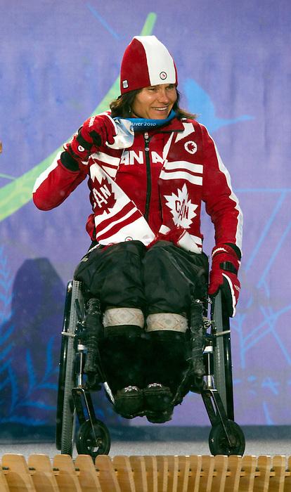 Colette Bourgonje, Vancouver 2010 - Para Nordic Skiing // Ski paranordique.<br /> Colette Bourgonje receives her silver medal in Para Nordic Skiing // Colette Bourgonje reçoit sa médaille d'argent en ski paranordique. 14/03/2010.