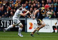 Photo: Richard Lane/Richard Lane Photography. Wasps v Exeter Chiefs.  European Rugby Champions Cup Quarter Final. 09/04/2016. Wasps' James Haskell attacks.