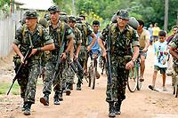 -Investigação assassinato- IRMÃ DOROTHY-<br />Com um contingente de 110 homens militares do exército começam a chegar ao município de Anapú, onde estarão disponíveis 3 helicópteros para as operaçoes.<br /><br />A missionária americana irmã Dorothy Stang, da congregação das irmãs de Notre Dame, 73 anos, 28 dos quais na Amazônia, trabalhando com pequenos agricultores pela reforma agrária, foi assassinada brutalmente as 7: 30 de 12/02/2005 quando saia de uma casa no assentamento feito pelo Incra conhecido no projeto Projeto de Desenvolvimento Sustentável  Esperança. <br />Anapú, Pará, Brasil<br />17/02/2005<br />Foto Paulo Santos/Interfoto