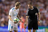 Real Madrid's Toni Kroos have words with the referee Jose Luis Gonzalez Gonzalez during La Liga match. August 20,2017.  *** Local Caption *** © pixathlon