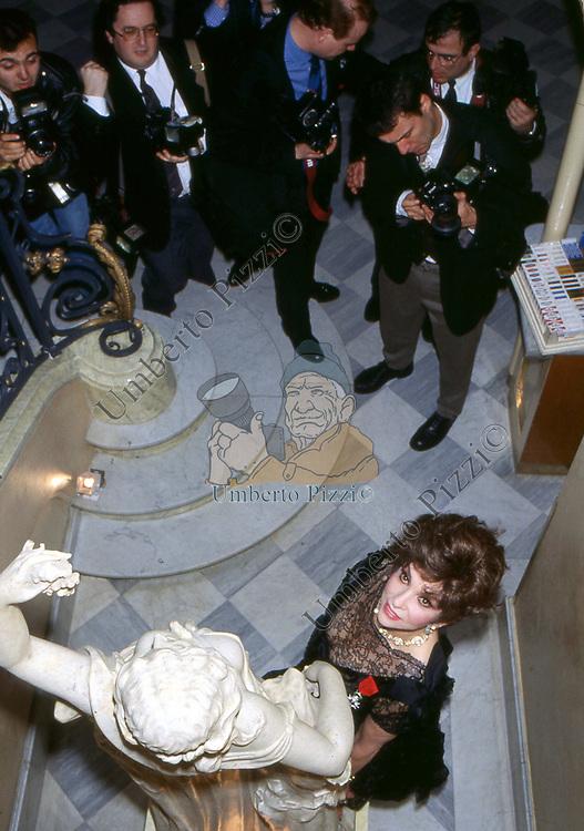 GINA LOLLOBRIGIDA  - PREMIO THE BEST HOTEL PLAZA ATHENEE PARIGI 1993