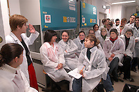 - course of orientation for senior high school students at the department of Biology and Genetics for the Medical Sciences of Milan university ....- corso di orientamento per studenti della scuola media superiore presso il dipartimento di Biologia e Genetica per le Scienze Mediche dell'università di Milano