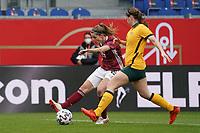 Tabea Waßmuth (Deutschland, Germany) zieht ab gegen Karly Roestbakken (Australien, Australia) - 10.04.2021 Wiesbaden: Deutschland vs. Australien, BRITA Arena, Frauen, Freundschaftsspiel