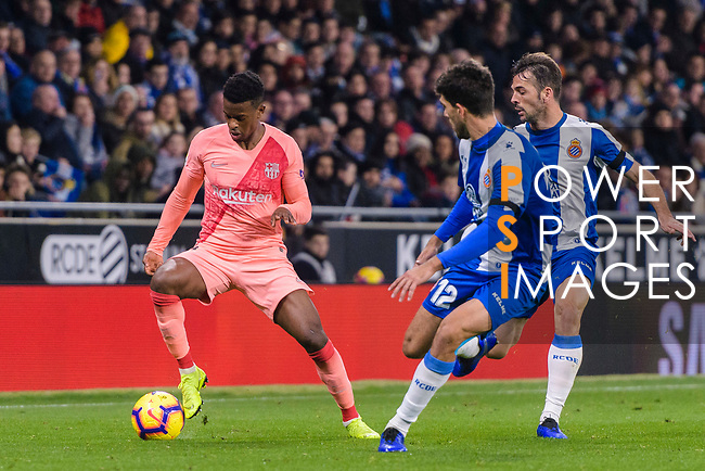 Nelson Semedo of FC Barcelona (L) in action against Didac Vila of RCD Espanyol (R) during the La Liga 2018-19 match between RDC Espanyol and FC Barcelona at Camp Nou on 08 December 2018 in Barcelona, Spain. Photo by Vicens Gimenez / Power Sport Images