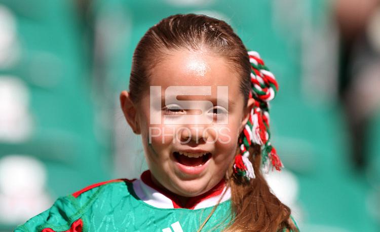 Wolfsburg , 270611 , FIFA / Frauen Weltmeisterschaft 2011 / Womens Worldcup 2011 , Gruppe B  ,  .England - Mexico . mexikanische Fans .Foto:Karina Hessland .