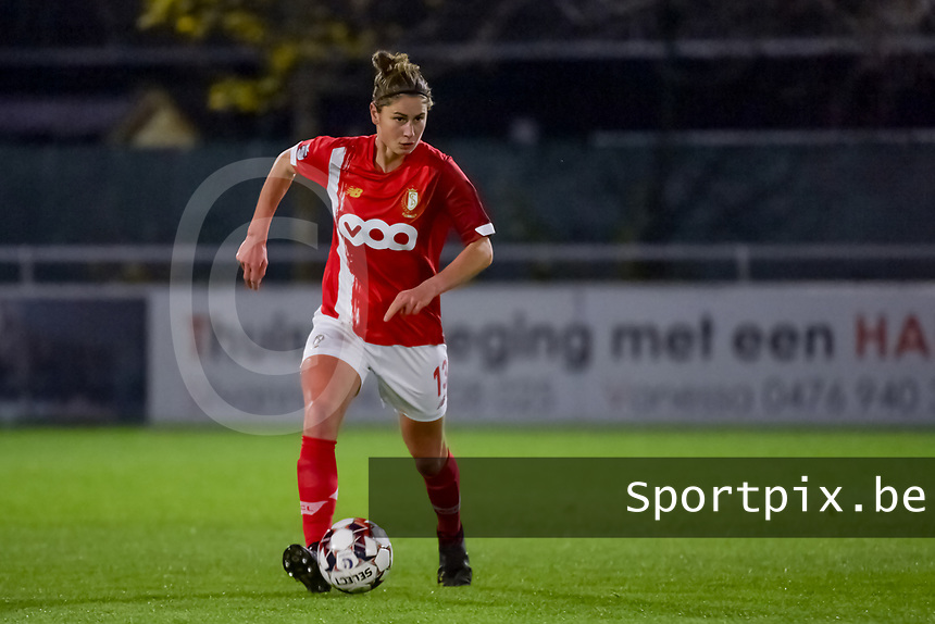 Standard defender Ellen Charlier (13) pictured during a female soccer game between  AA Gent Ladies and Standard Femina de Liege on the 8 th matchday of the 2020 - 2021 season of Belgian Scooore Womens Super League , friday 20 th of November 2020  in Oostakker , Belgium . PHOTO SPORTPIX.BE | SPP | STIJN AUDOOREN