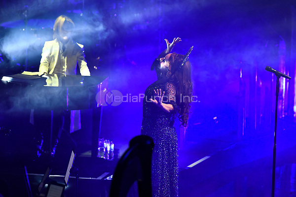 LONDON, ENGLAND - NOVEMBER 11: Yoshiki and Sarah Brightman performing at Royal Albert Hall on November 11, 2019 in London, England.<br /> CAP/MAR<br /> ©MAR/Capital Pictures /MediaPunch ***NORTH AMERICAS ONLY***