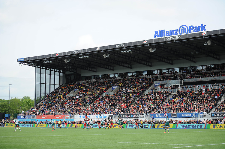 General view of a lineout during the Aviva Premiership semi final match between Saracens and Leicester Tigers at Allianz Park on Saturday 21st May 2016 (Photo: Rob Munro/Stewart Communications)