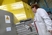 - LENA (Laboratorio Energia Nucleare Applicata dell'università di Pavia), reattore nucleare di ricerca TRIGA Mark II, controllo della radioattività....- LENA (Applied Nuclear Energy Laboratory of Pavia university ), nuclear reactor for search TRIGA Mark II,  control of the radioactivity