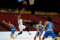 03-04-2021: Basketbal: Donar Groningen v Heroes Den Bosch: Groningen schotpoging van Donar speler Jarred Ogungbemi-Jackson Den Bosch speler Stefan Wessels en Den Bosch speler Demario Mayfield kijken toe