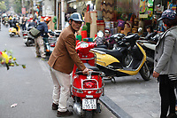 street life in hanoi, old quarter