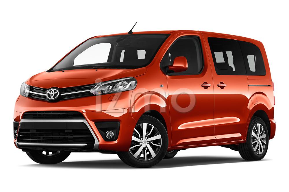Stock pictures of low aggressive front three quarter view of 2018 Toyota Proace-Verso Viaggio 5 Door Minivan Low Aggressive