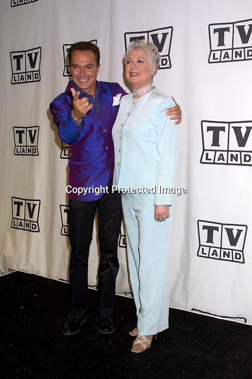 ©2003 KATHY HUTCHINS  / HUTCHINS PHOTO.THE TV LAND AWARDS:  A CELEBRATION OF CLASSIC TV .HOLLYWOOD, CA.MARCH 2, 2003..DAVID CASSIDY.SHIRLEY JONES