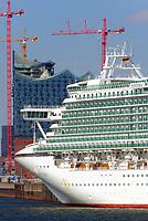 Elbphilharmonie Hamburg mit Kreuzfahrtschiff Ventura: EUROPA, DEUTSCHLAND, HAMBURG, (EUROPE, GERMANY), 25.03.2013: Elbphilharmonie Hamburg mit Kreuzfahrtschiff Ventura