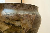 """Italien, Ischia, Museum Villa Arbusto in Lacco Ameno, Gefäß """"Krater"""" 8.Jh. v. Chr. aus griescher Siedlung Pithecoussai"""