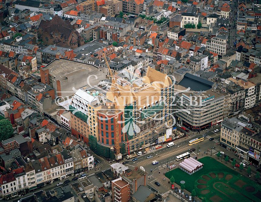 Mei 1996. Bouw hotel aan het Astridplein.