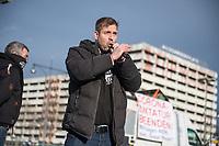 """Anlaesslich des ertsne Jahrestag der Coronamassnahmen der Bundesregierung protestierten etwas ueber 200 Menschen auf dem Berliner Alexanderplatz gegen die Politik der Bundesregierung. Sie forderten ein Ende der Maskenregelungen und Einschraenkungen in oeffentlichen Leben. Die Demonstranten riefen """"Liebe, Freiheit, Keine Diktatur"""" und """"Wahrheit macht Frei"""".<br /> Der Veranstalter, der Youtube-Schlagerstar Bjoern Winter alias Bjoern Banane (im Bild), hatte 1000 Menschen zu der Kundgebung erwartet.<br /> 13.3.2021, Berlin<br /> Copyright: Christian-Ditsch.de"""
