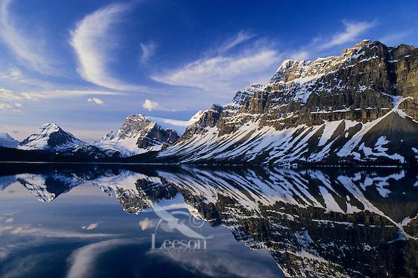 Bow Lake, Crowfoot Mountain and glacier, Banff National Park, Alberta, Canada. Cirrus clouds