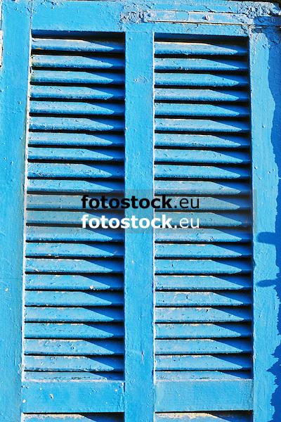 typical blue painted window shutter<br /> <br /> típica persiana azul<br /> <br /> typischer blauer Fensterladen<br /> <br /> 3360 x 2240 px<br /> Original: 35 mm