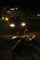 A sentença<br /> Manifestantes fecham a rua em frente ao TJE comemorando a condenação dos acusados<br /> <br /> Raifran e Clodoaldo no banco dos réus. <br /> <br /> Julgamento de Raifran das Neves Sales o Fogoió e Clodoaldo Carlos Batista ,conhecido como Eduardo, pelo  pelo assassinato da missionária americana Dorothy Mae Stang ocorrido  no municÌpio de Anapú no estado do Pará em 12/02/2005.Belém, Pará, Brasil.Foto Paulo Santos/Interfoto<br /> 10/12/2005