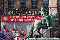 Duesseldorf, Germany, 2. Bundesliga, promotion to 1. Bundesliga of  Fortuna Duesseldorf, team celebrates at Rathausmarkt of Duesseldorf, 14.05.2018<br /> Reiterdenkmal of  Jan Wellem.<br /> *** Local Caption *** © pixathlon<br /> Contact: +49-40-22 63 02 60 , info@pixathlon.de