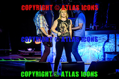 KELLY CLARKSON, LIVE, 2012, <br /> PHOTOCREDIT:  IGOR VIDYASHEV/ATLASICONS