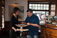 Europe/France/Pays de la Loire/44/Loire-Atlantique/Nantes: David Garrec chef du restaurant l'Océanide et son épouse [Non destiné à un usage publicitaire - Not intended for an advertising use]