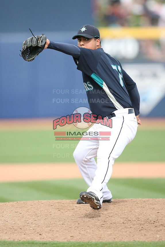 March 8, 2009:Marvin Vega (72) of the Seattle Mariners at Peoria Sports Complex in Peoria, AZ.  Photo by: Chris Proctor/Four Seam Images