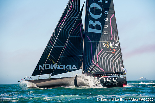 When the going was good – Alex Thomson's Hugo Boss at the start