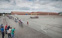peloton coming through<br /> <br /> 101st Kampioenschap van Vlaanderen 2016 (UCI 1.1)<br /> Koolskamp › Koolskamp (192.4km)