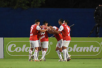 MONTERIA - COLOMBIA, 12-10-2020: Jugadores de Santa Fe celebran después de anotar el primer gol de su equipo durante el partido por la fecha 13 Liga BetPlay DIMAYOR I 2020 entre Jaguares de Córdoba F.C. e Independiente Santa Fe jugado en el estadio Jaraguay de la ciudad de Montería. / Players of Santa Fe celebrate after scoring the first goal of their team during match for the date 13 BetPlay DIMAYOR League I 2020 between Jaguares de Cordoba F.C. and Independiente Santa Fe played at Jaraguay stadium in Monteria city. Photo: VizzorImage / Andres Felipe Lopez / Cont