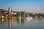 Oesterreich, Niederoesterreich, Kulturlandschaft Wachau - UNESCO Weltkultur- und -naturerbe, Krems an der Donau - Stadtteil Stein an der Donau: (v.l.n.r.) mit der ehemaligen Frauenbergkirche, daneben die Pfarrkirche Hl. Nikolaus und weiter rechts die ehemalige Minoritenkirche | Austria, Lower Austria, Wachau Cultural Landscape - UNESCO World's Cultural and Natural Heritage, Krems an der Donau - district Stein an der Donau: with former Frauenbergkirche, parish church St Nicholas and former Minorite church