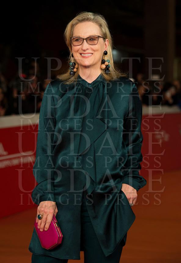 "L'attrice statunitense Meryl Streep posa sul red carpet per l'anteprima del film ""Florence Foster Jenkins"" al Festival Internazionale del Film di Roma, 20 ottobre 2016.<br /> U.S. actress Meryl Streep poses for on the red carpet for the premiere of the movie ""Florence Foster Jenkins"" during the international Rome Film Festival at Rome's Auditorium, 20 October 2016.<br /> UPDATE IMAGES PRESS/Stringer"