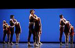 TROISIEME SYMPHONIE DE GUSTAV MAHLER....Choregraphie : NEUMEIER John..Decor : NEUMEIER John..Lumiere : NEUMEIER John..Lieu : Opera Bastille..Ville : Paris..Le : 11 03 2009..© Laurent PAILLIER / photosdedanse.com