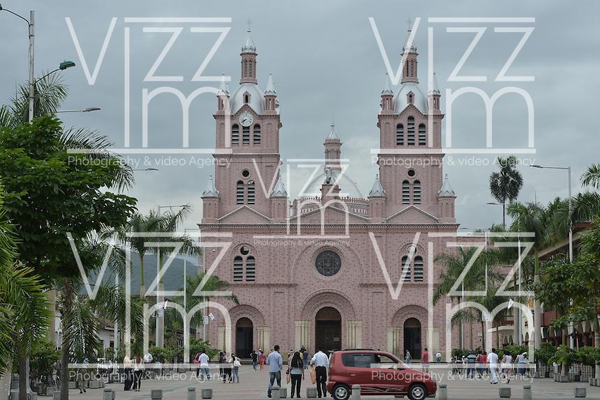 BUGA -COLOMBIA. Basílica de Nuestro Señor de los Milagros, Buga, Valle del Cauca, Colombia /  Basilica of Our Lord of Miracles, Buga, Valle del Cauca, Colombia. Photo: VizzorImage/CONT
