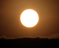 BOGOTA -COLOMBIA. 21-01-2014. Salida del sol esta mañana en la capital. Sunrise this morning in the capital..   Photo: VizzorImage/ Felipe Caicedo / Staff