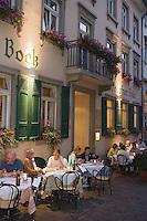"""Europe/Allemagne/Bade-Würrtemberg/Heidelberg: Brasserie """"Weisser Bock """" - service en terrasse sur la rue pietonne"""