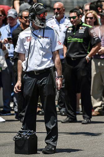 Verizon IndyCar Series<br /> Indianapolis 500 Carb Day<br /> Indianapolis Motor Speedway, Indianapolis, IN USA<br /> Friday 26 May 2017<br /> Honda engineer during the pit stop competition<br /> World Copyright: Scott R LePage<br /> LAT Images<br /> ref: Digital Image lepage-170526-indy-9331