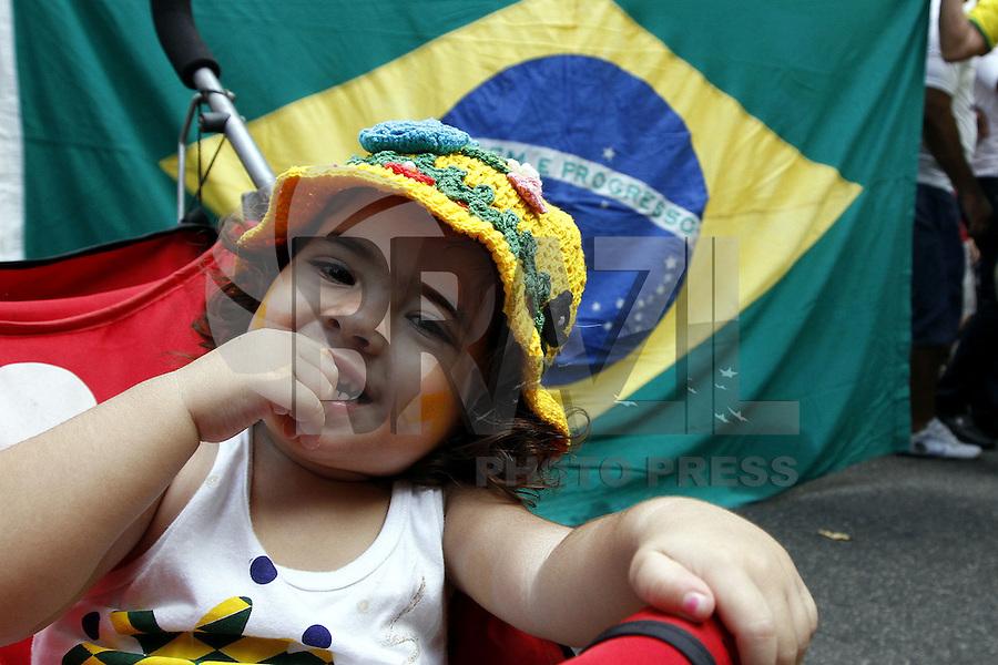 BELEM,PA, 16.08.2015 - PROTESTO-PA - Manifestantes durante ato contra o governo da presidente Dilma Rousseff no PT (Partido dos Trabalhadores) nas ruas da cidade de Belem neste domingo, 16. (Foto: Lucivaldo Sena/ Brazil Photo Press)