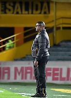 BOGOTÁ-COLOMBIA, 04-04-2019: Leider Calimenio Preciado, asistente técnico de Independiente Santa Fe, durante partido de la fecha 13 entre Independiente Santa Fe y Jaguares F.C., por la Liga Águila I 2019, en el estadio Nemesio Camacho El Campin de la ciudad de Bogotá. / Leider Calimenio Preciado, coach assistent of Independiente Santa Fe, during a match of the 13th date between Independiente Santa Fe and Jaguares F.C., for the Aguila Leguaje I 2019 at the Nemesio Camacho El Campin Stadium in Bogota city, Photo: VizzorImage / Luis Ramírez / Staff.