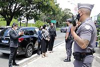 Campinas (SP), 08/02/2021 - Ministra Damares - A ministra da Mulher, Família e Direitos Humanos, Damares Alves, esteve em Campinas nesta segunda-feira (8), nove dias após a repercussão nacional do caso do menino de 11 anos, que foi encontrado acorrentado em um barril em situações de tortura. <br /> Em reunião com o prefeito de Campinas, Dário Saadi (Republicanos), foi pedido o fortalecimento da rede protetora da criança e do adolescente na cidade, e a reorganização da estrutura territorial do Conselho Tutelar, depois ela visitou o 35º Batalhão de Polícia Militar de Campinas, na Vila Marieta, onde parabenizou os policiais pela atuação no resgate da criança que gerou comoção nacional.