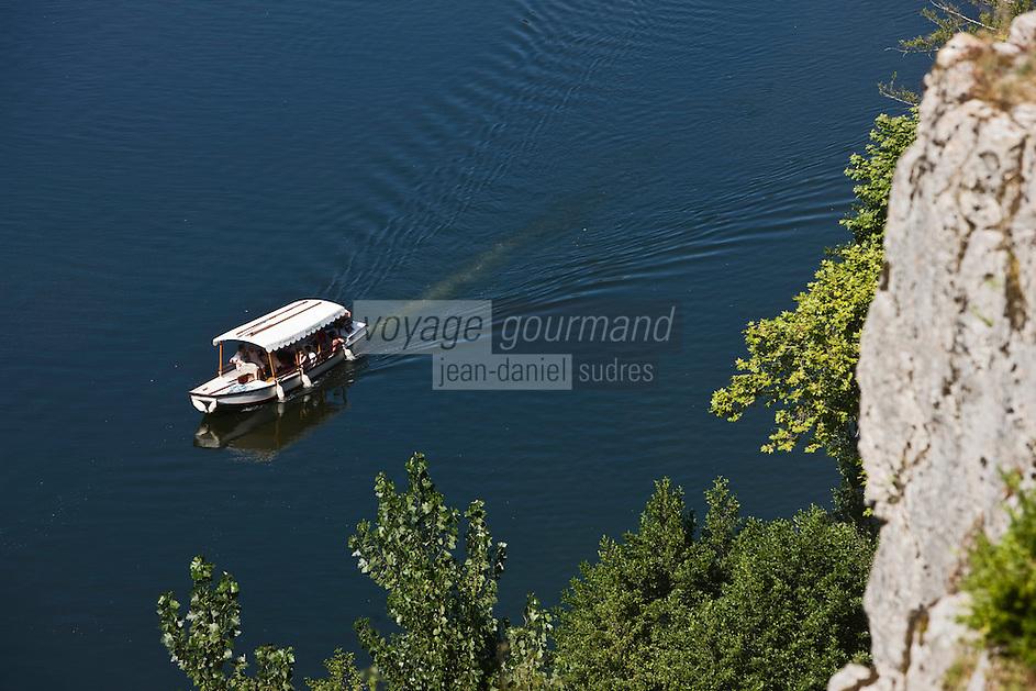 Europe/France/Midi-Pyrénées/46/Lot/Saint-Cirq-Lapopie: la vallée du Lot- Tourisme fluvial
