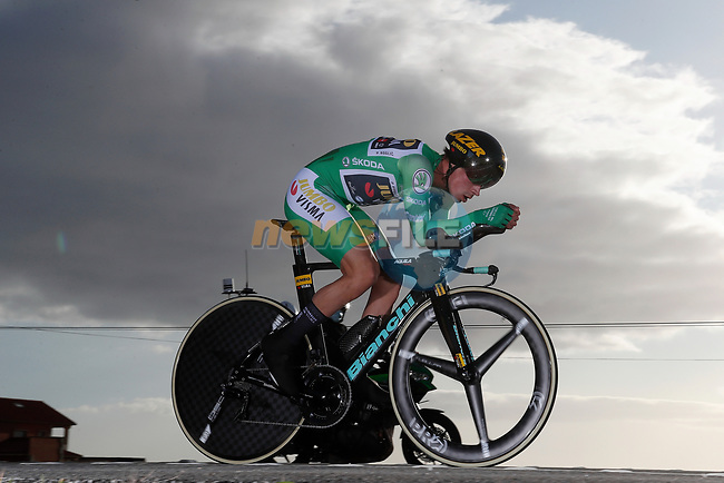 Green Jersey Primoz Roglic (SLO) Team Jumbo-Visma on his way to stage victory and taking back the General Classification lead during Stage 13 of the Vuelta Espana 2020 an individual time trial running 33.7km from Muros to Mirador de Ézaro. Dumbría, Spain. 3rd November 2020. <br /> Picture: Luis Angel Gomez/PhotoSportGomez | Cyclefile<br /> <br /> All photos usage must carry mandatory copyright credit (© Cyclefile | Luis Angel Gomez/PhotoSportGomez)