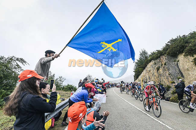 The large breakaway during Stage 18 of La Vuelta d'Espana 2021, running 162.6km from Salas to Alto del Gamoniteiru, Spain. 2nd September 2021.   <br /> Picture: Unipublic/Charly Lopez | Cyclefile<br /> <br /> All photos usage must carry mandatory copyright credit (© Cyclefile | Charly Lopez/Unipublic)