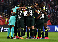 BOGOTA-COLOMBIA, 08-03-2020: Jugadores de Atletico Nacional, antes de partido de la fecha 8 entre Independiente Santa Fe y Atletico Nacional, por la Liga BetPLay DIMAYOR I 2020, en el estadio Nemesio Camacho El Campin de la ciudad de Bogota. / Players of Atletico Nacional, prior a match of the 8th date between Independiente Santa Fe and Atletico Nacional, for the BetPlay DIMAYOR I Leguaje 2020 at the Nemesio Camacho El Campin Stadium in Bogota city. / Photo: VizzorImage / Luis Ramirez / Staff.