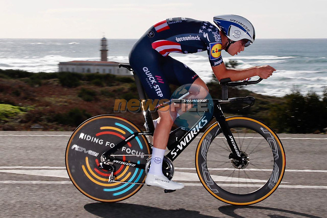 US Champion Ian Garrison (USA) Deceuninck-Quick Step speeds by during Stage 13 of the Vuelta Espana 2020 an individual time trial running 33.7km from Muros to Mirador de Ézaro. Dumbría, Spain. 3rd November 2020. <br /> Picture: Luis Angel Gomez/PhotoSportGomez | Cyclefile<br /> <br /> All photos usage must carry mandatory copyright credit (© Cyclefile | Luis Angel Gomez/PhotoSportGomez)